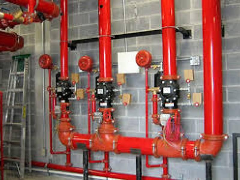 Rede de sprinklers de combate a incêndios